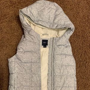 Gap kids gray puffer vest with hood